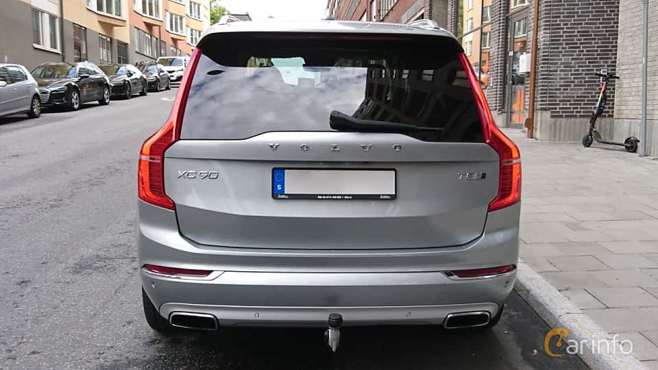 Back of Volvo XC90 T8 TwEn AWD Geartronic, 407ps, 2017