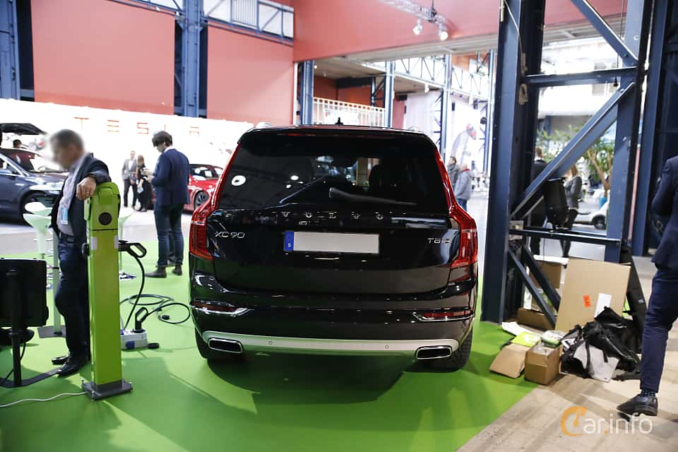 Back of Volvo XC90 T8 AWD Geartronic, 407ps, 2017 at eCar Expo Göteborg 2016