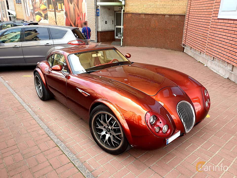 Front/Side  of Wiesmann GT MF4 4.8 V8 Manual, 367ps, 2007