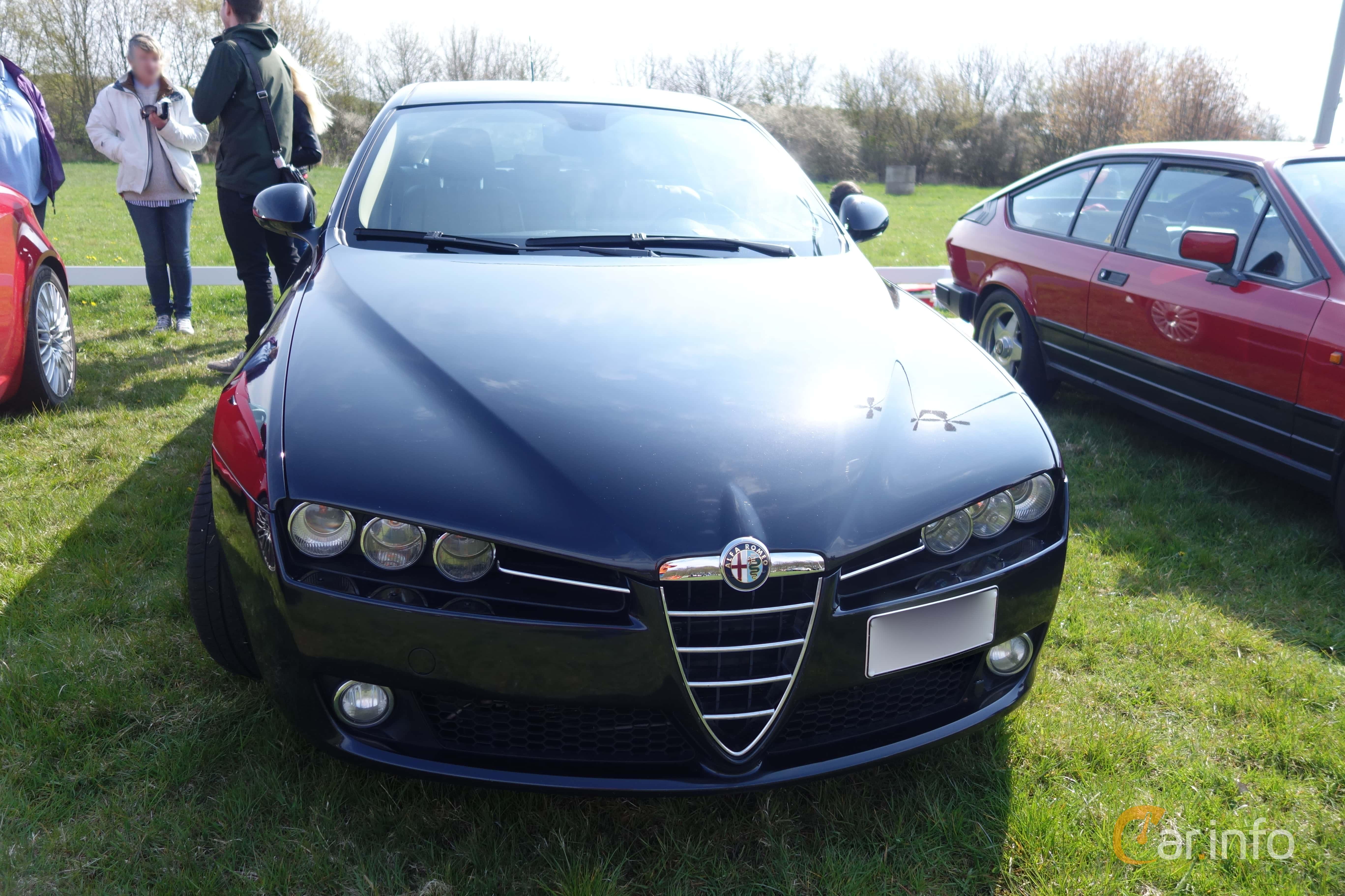 4 images of Alfa Romeo 159 Sportwagon 1.9 JTDM 16V Q Tronic