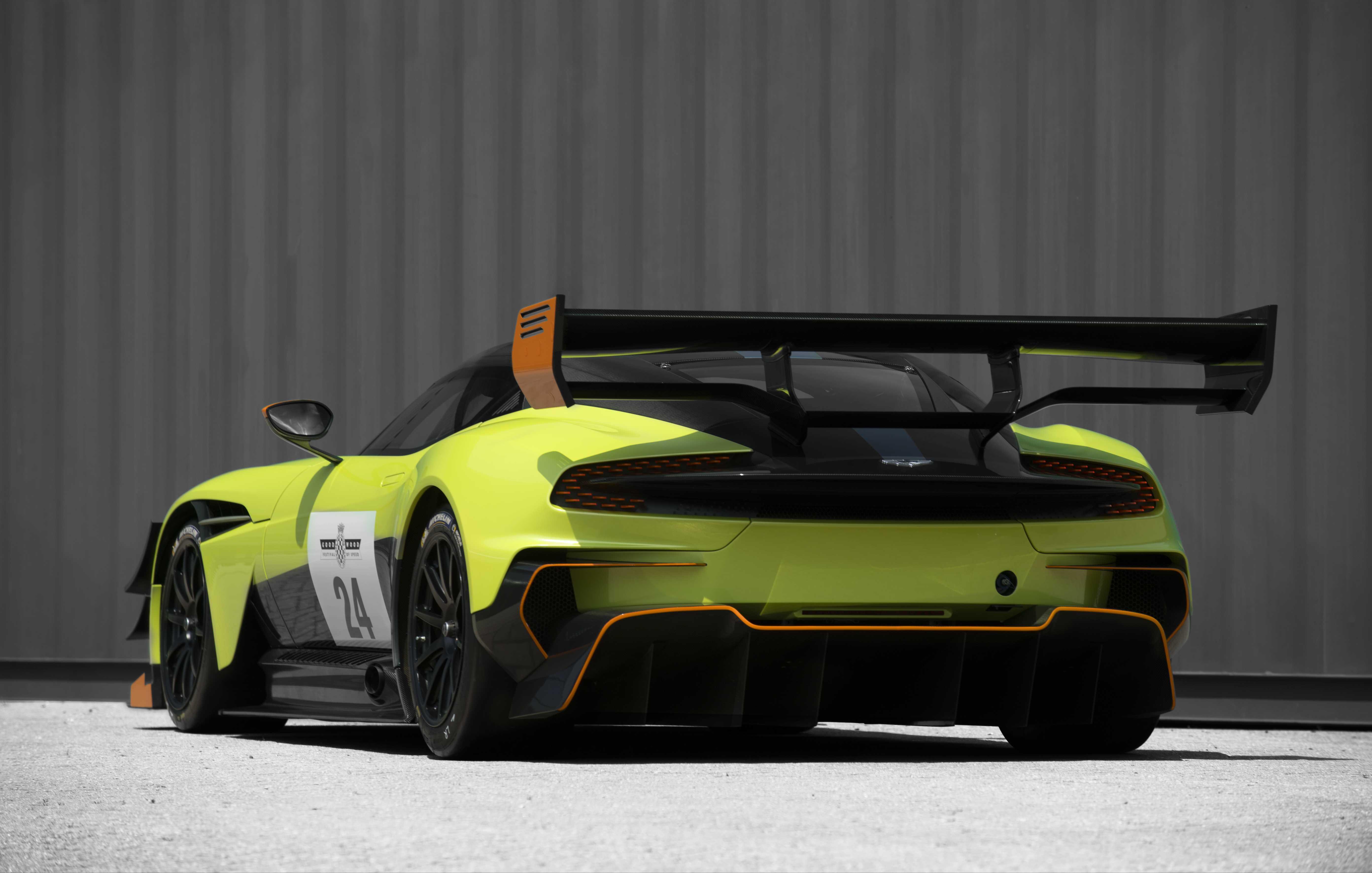 Aston Martin Vulcan 1st Generation 7 0 V12 811ps 2015