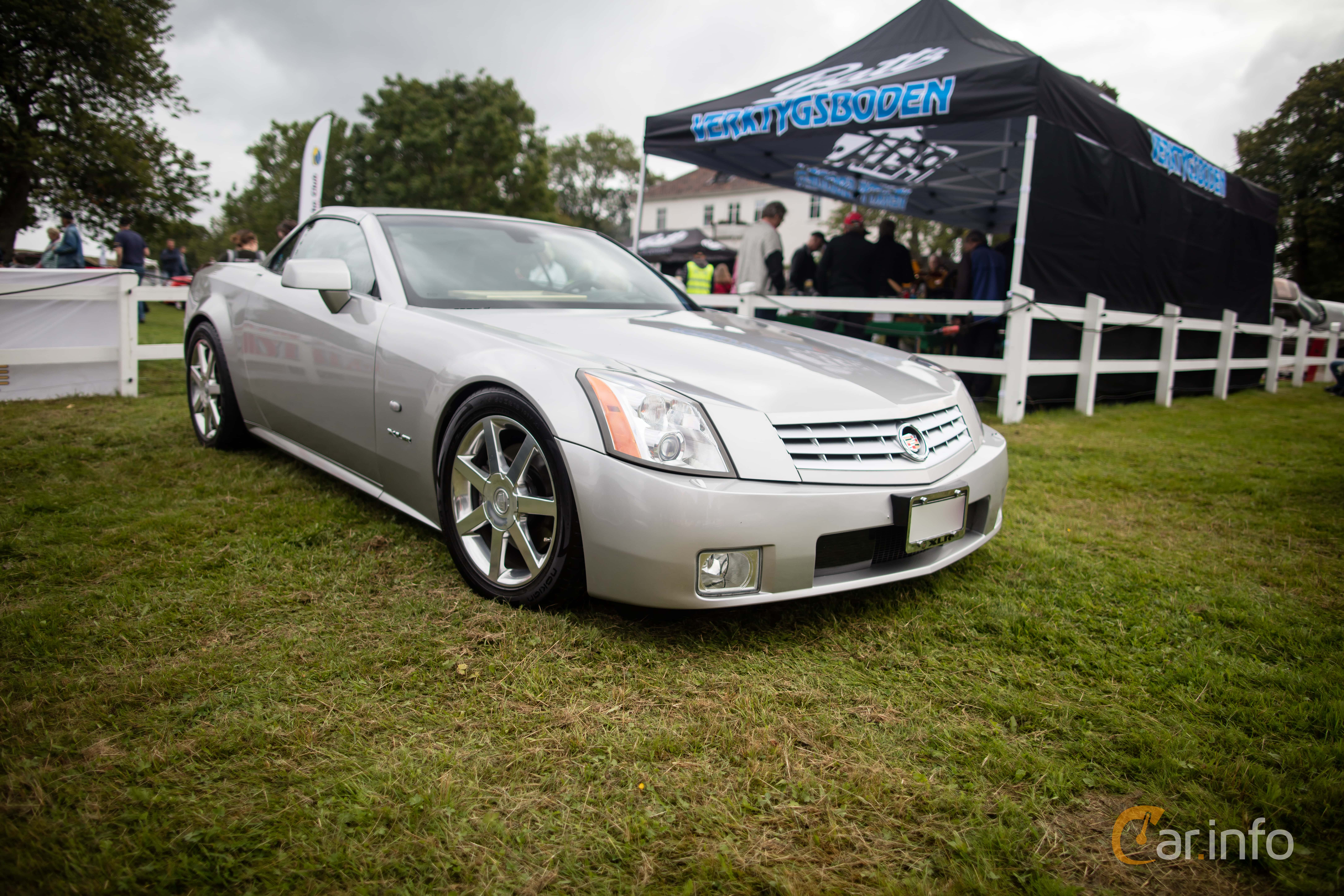 outstanding cadillac roadster xlr cars exterior