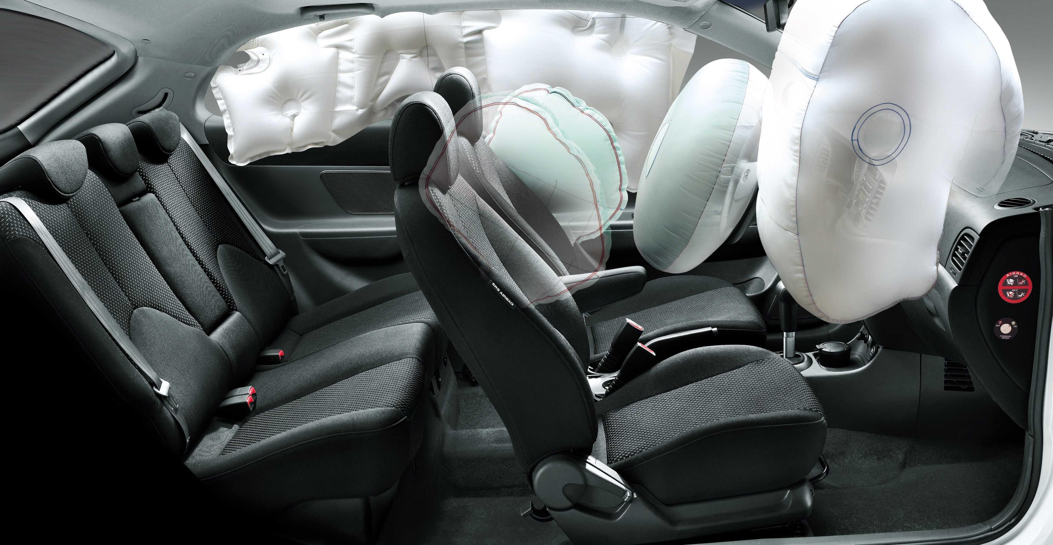 2007 hyundai accent sedan interior