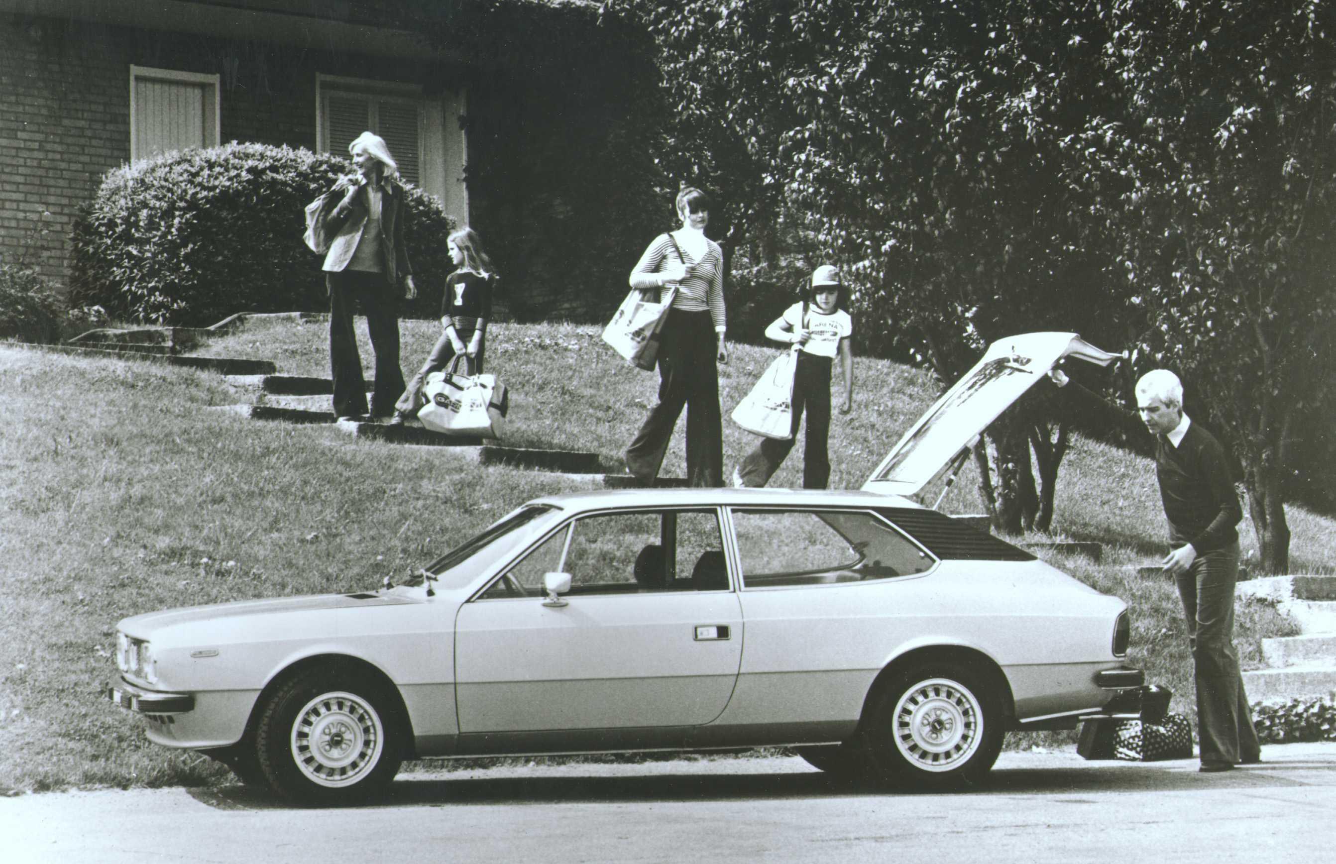 https://s.car.info/image_files/full/lancia-beta-hpe-side-0-209495.jpg