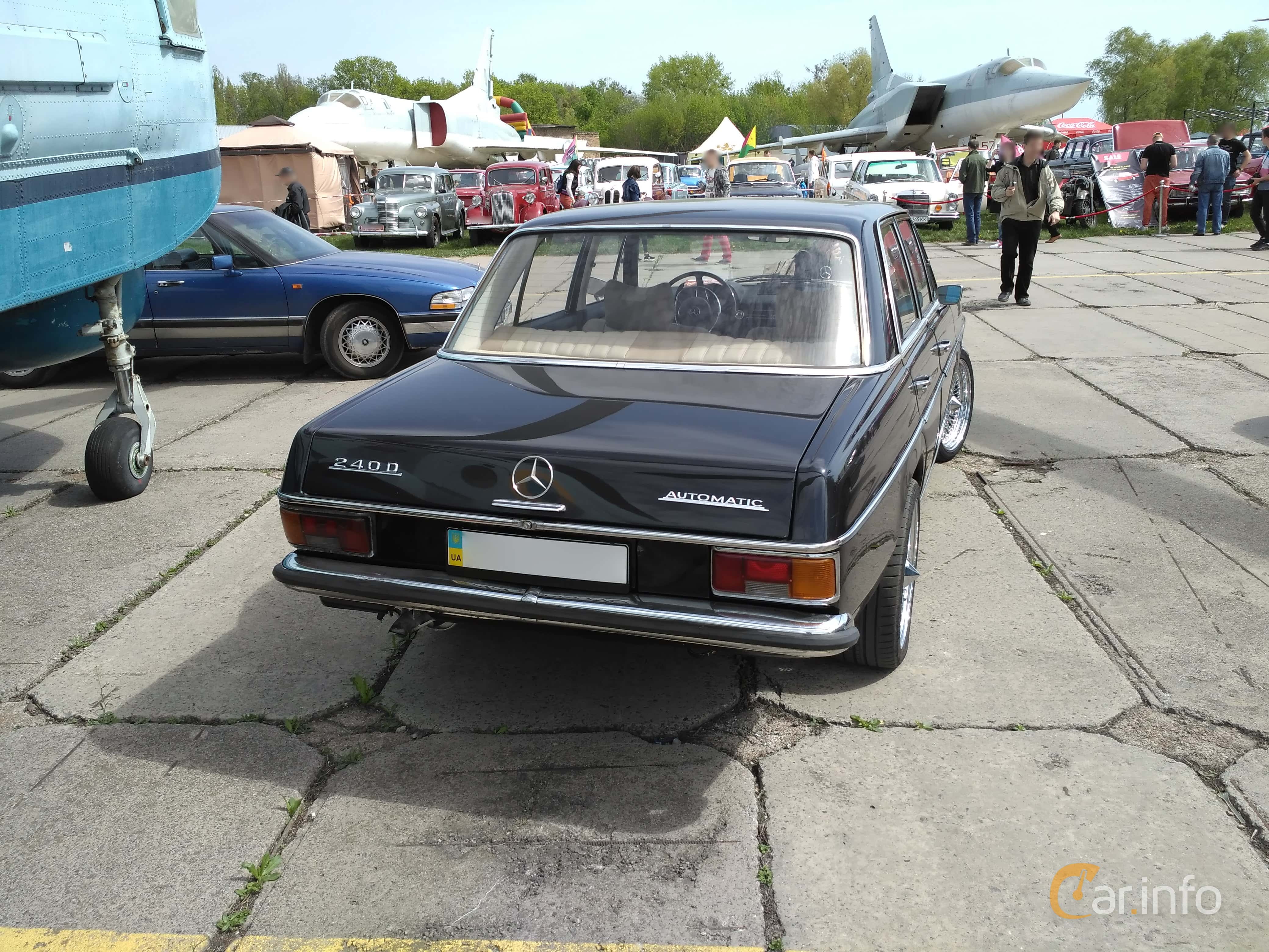6 images of Mercedes Benz 240 D Lang Automatic 65hp 1973 by
