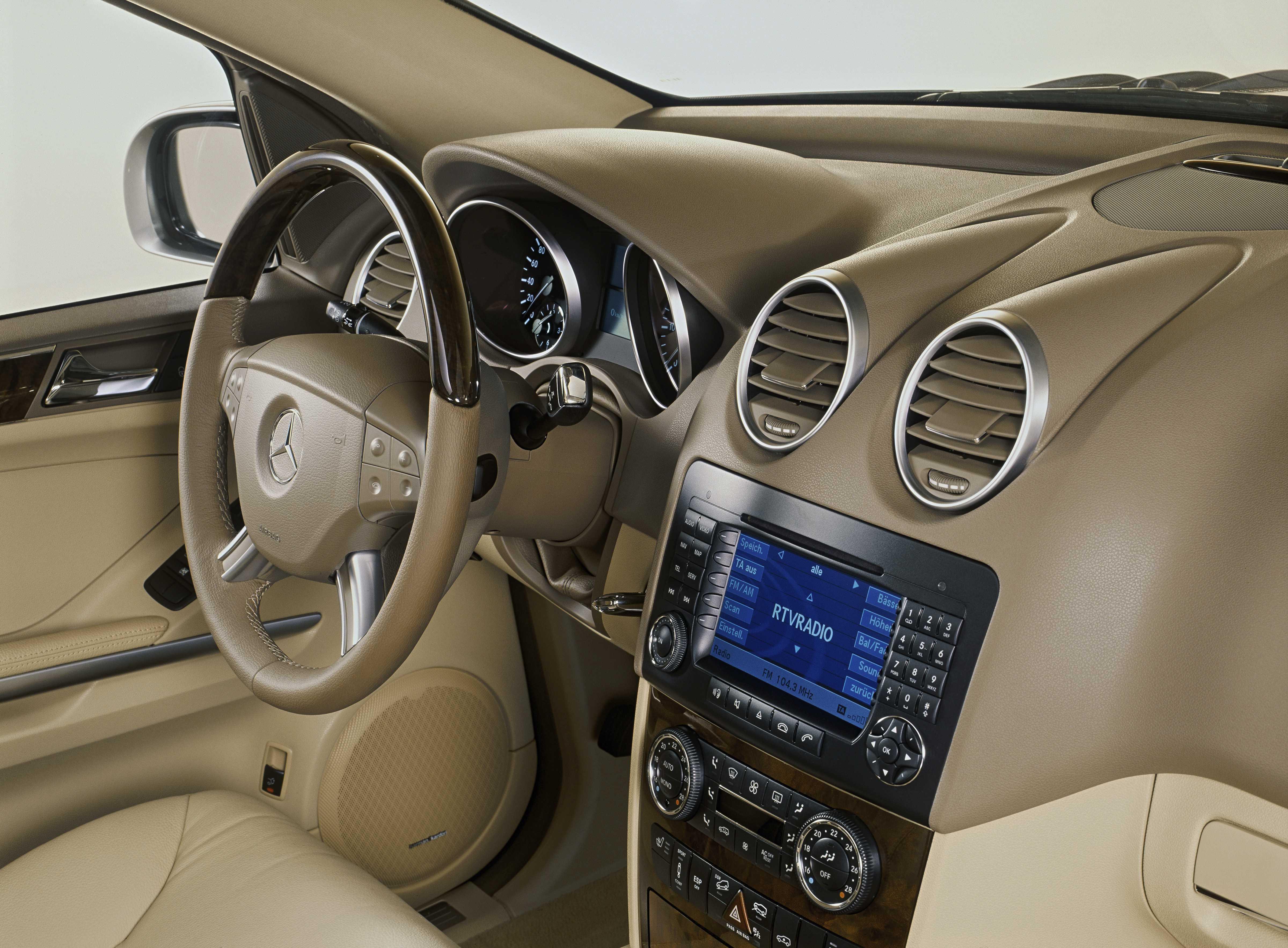 Mercedes Benz M Class Interior
