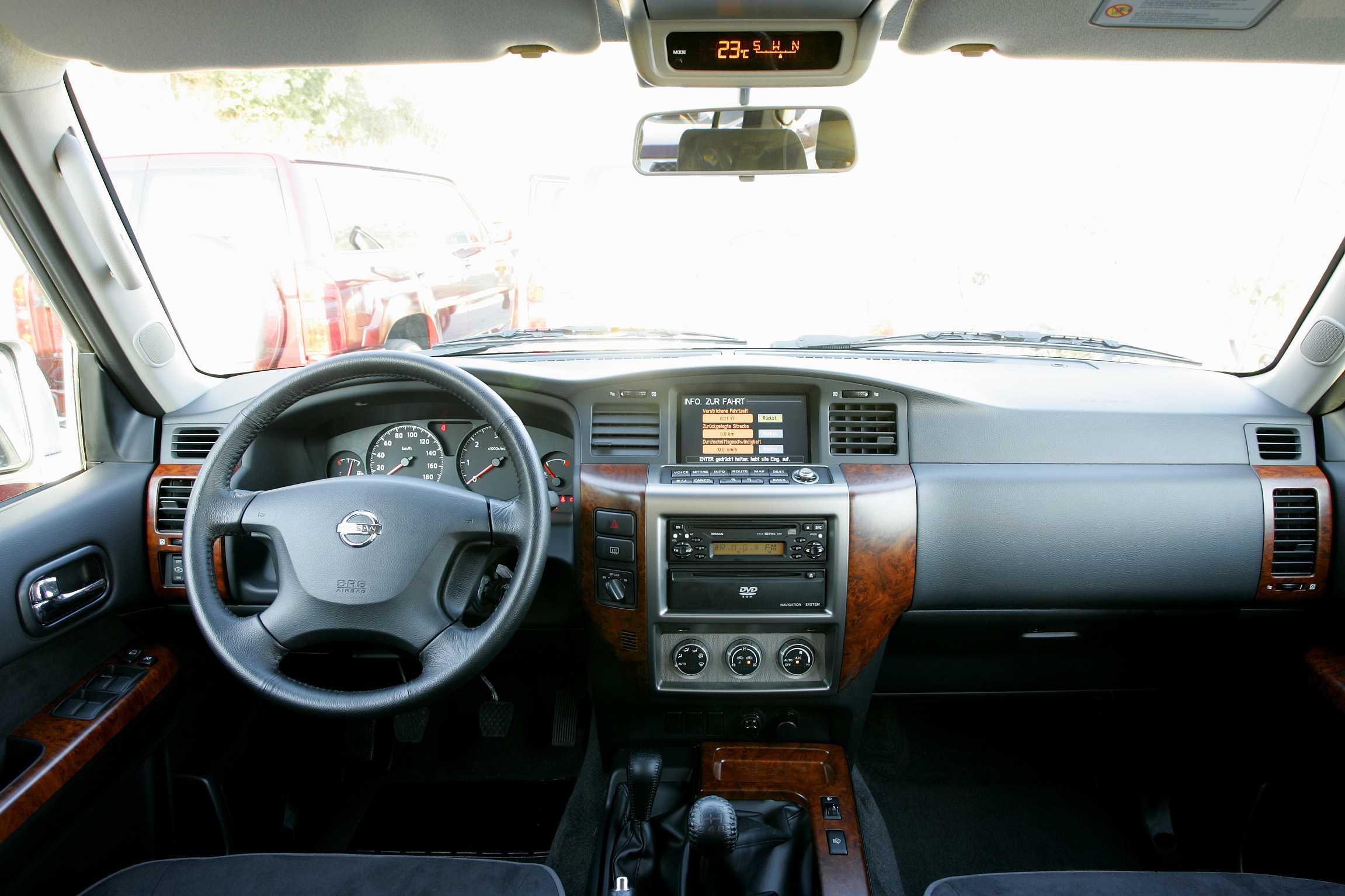 Nissan Patrol Y61